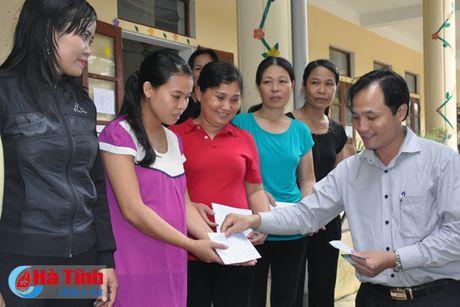 Cac don vi, doanh nghiep tiep tuc den voi nguoi dan vung lu Ha Tinh - Anh 8