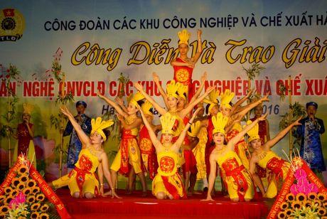 Trao giai lien hoan van nghe trong CNVCLD nam 2016 - Anh 4