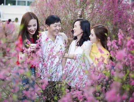 Vi sao Angela Phuong Trinh pha vo 'loi the' tro lai voi hinh anh sexy, phan cam? - Anh 3