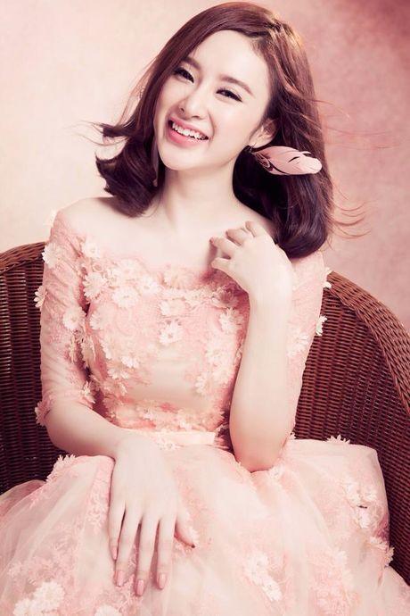 Vi sao Angela Phuong Trinh pha vo 'loi the' tro lai voi hinh anh sexy, phan cam? - Anh 4