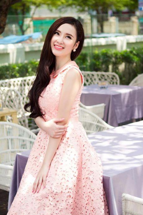 Vi sao Angela Phuong Trinh pha vo 'loi the' tro lai voi hinh anh sexy, phan cam? - Anh 5