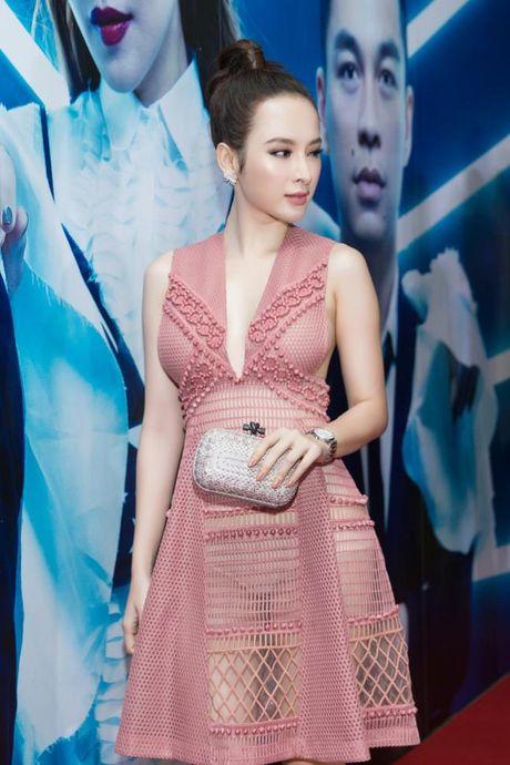 Vi sao Angela Phuong Trinh pha vo 'loi the' tro lai voi hinh anh sexy, phan cam? - Anh 7