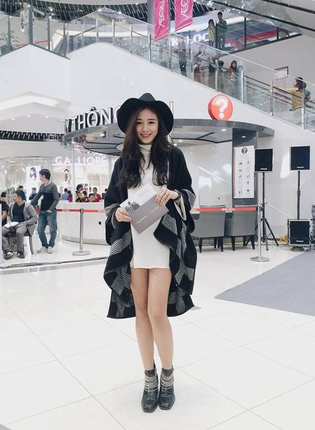 Phong cach thoi trang khong hang hieu van dang khen cua ban gai moi Phan Thanh - Anh 5