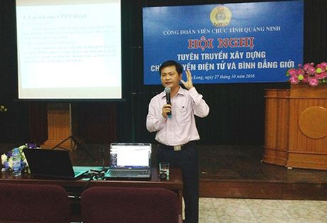CD Vien chuc tinh Quang Ninh: Tuyen truyen xay dung chinh quyen dien tu va binh dang gioi - Anh 1
