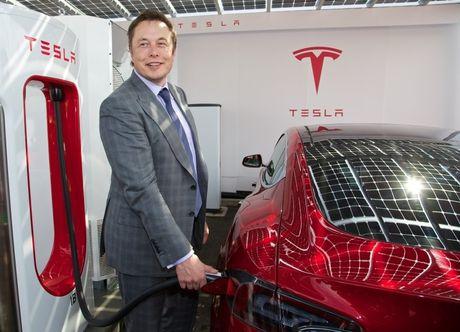 Ba mui nhon giup Tesla thong tri ca the gioi - Anh 1