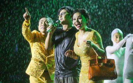 Hon 15.000 khan gia doi mua xem liveshow cua Viet Huong - Anh 10