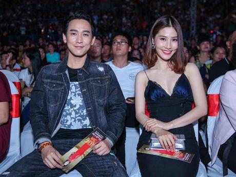 Hon 15.000 khan gia doi mua xem liveshow cua Viet Huong - Anh 7