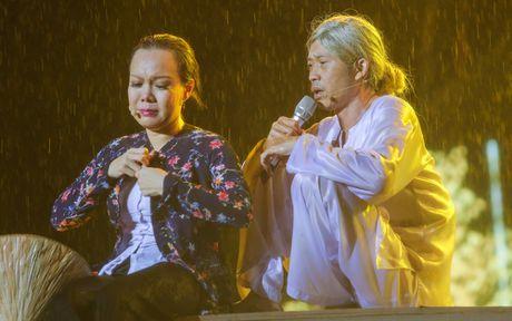 Hon 15.000 khan gia doi mua xem liveshow cua Viet Huong - Anh 9