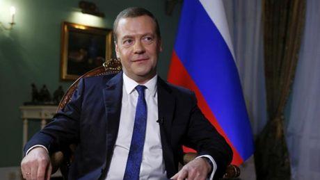 Thu tuong Medvedev canh bao nguy co khung bo tu cac tay sung Nga o Syria - Anh 1