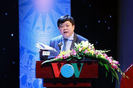 Cac chuyen gia de nghi co Luat Ngon ngu - Anh 1