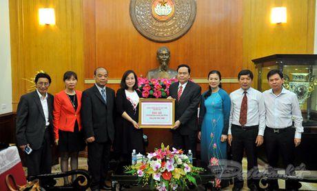 Tam long ba con Viet kieu huong ve mien Trung - Anh 1