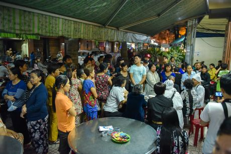 Phi Nhung, Phuong Thanh vieng sau nu Ut Bach Lan luc nua dem - Anh 12