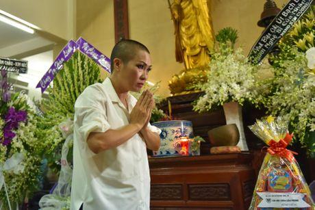 Phi Nhung, Phuong Thanh vieng sau nu Ut Bach Lan luc nua dem - Anh 4