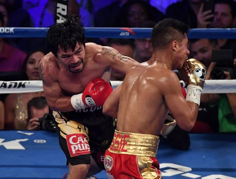 Manny Pacquiao thang diem Jessie Vargas, gianh dai WBO - Anh 4