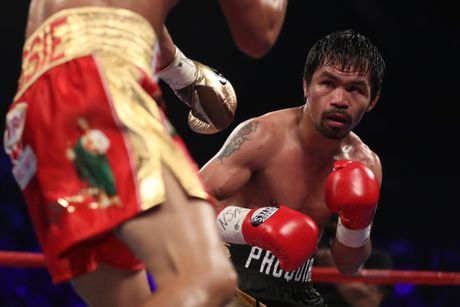 Manny Pacquiao thang diem Jessie Vargas, gianh dai WBO - Anh 6