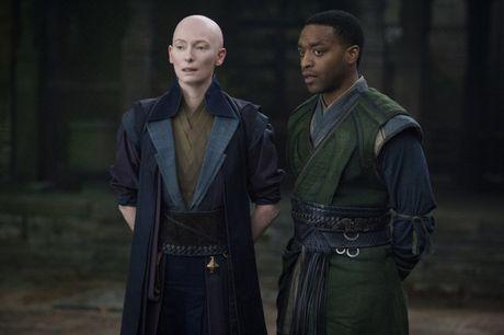 Dien vien goc A tai My khong hanh phuc voi 'Doctor Strange' - Anh 1