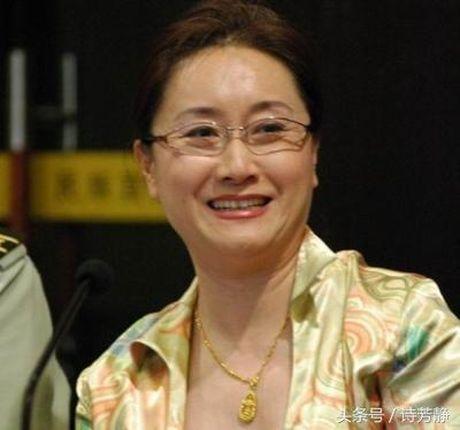 Canh kho cua nguoi vo co hon le ky quac voi Hong Kim Bao - Anh 3