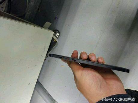 Ro ri hinh anh duoc cho la smartphone Android cua Nokia - Anh 2