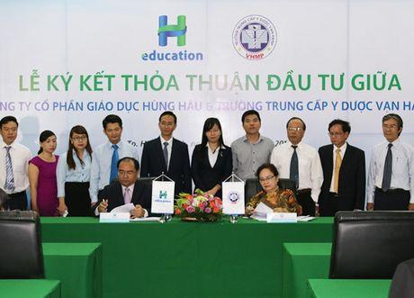 CTCP Giao duc Hung Hau 'bat tay' voi Truong Trung cap Y duoc Van Hanh dao tao nhan luc - Anh 1