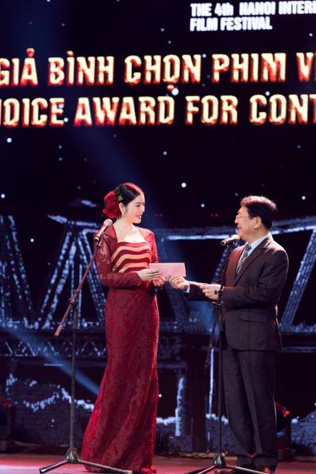 Ly Nha Ky quy phai tai be mac LHP quoc te Ha Noi 2016 - Anh 4