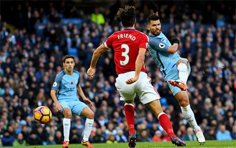 Aguero phung phi co hoi, Man City bi Middlesbrough cam hoa - Anh 1