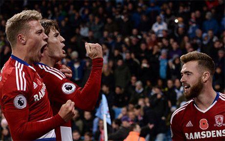 Aguero phung phi co hoi, Man City bi Middlesbrough cam hoa - Anh 4