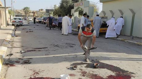 Danh bom lieu chet lam 21 nguoi thiet mang tai mien bac Iraq - Anh 1