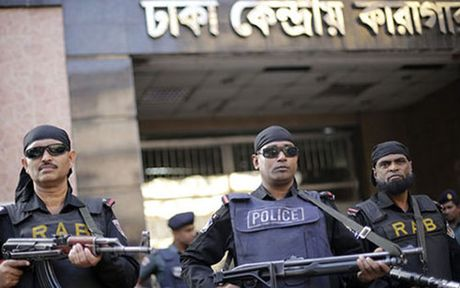 Bangladesh bat giu 4 ke tinh nghi phien quan Hoi giao - Anh 1