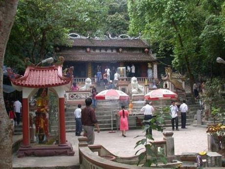 Tien cong duc den Hoang Muoi tang 10 lan - Anh 1