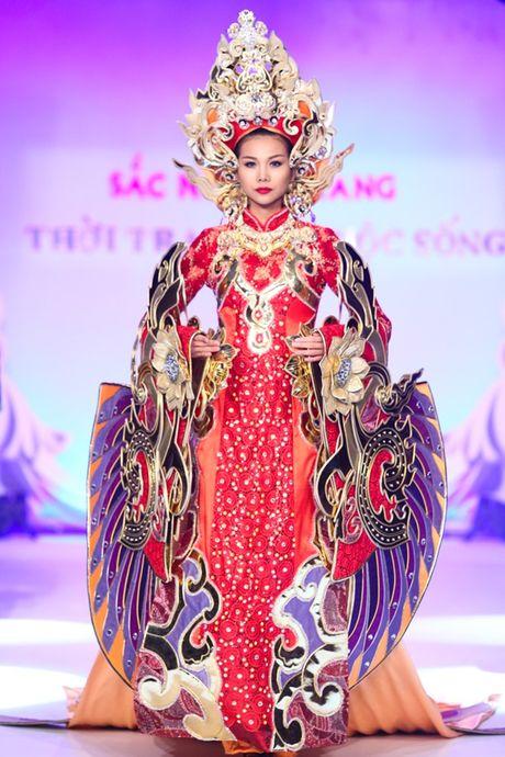 My nhan Viet'treo co' vi nhung chiec khan man khong lo - Anh 2