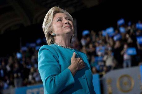 Duoc FBI giai oan, nhung da qua muon de Hillary Clinton hoan thanh giac mong tong thong? - Anh 1