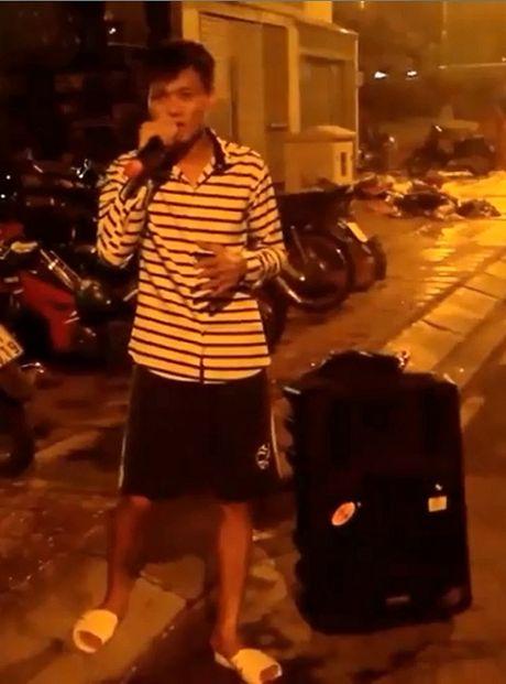Hot tren face: Pham Quynh Anh 'dan mat' con re tuong lai, dam cuoi di dong tren xe tai - Anh 7