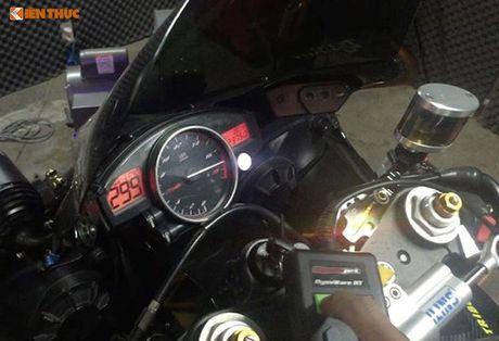 Yamaha R6 'do khung' tu trong ra ngoai cua dan choi Viet - Anh 7