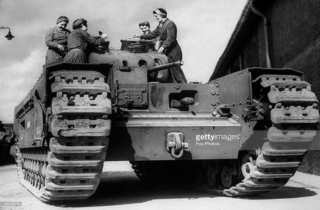 Kinh ngac suc manh xe tang hang nang Churchill trong CTTG 2 - Anh 10