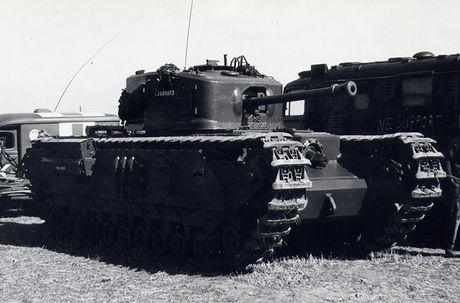 Kinh ngac suc manh xe tang hang nang Churchill trong CTTG 2 - Anh 5