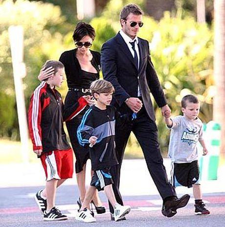 Cach nuoi day con dang ne cua vo chong Beckham va Victoria - Anh 2
