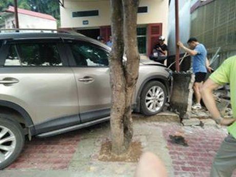 Giam doc So Cong Thuong lai xe tong nha dan - Anh 1