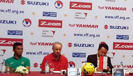 HLV A.Riedl: Toi mong DTVN vo dich AFF Cup mot lan nua! - Anh 1