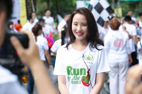 Ngoc Thanh Tam cung dan sao Viet xuong duong 'Chay vi trai tim' - Anh 12
