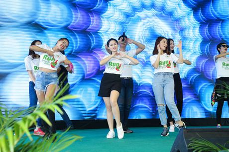 Ngoc Thanh Tam cung dan sao Viet xuong duong 'Chay vi trai tim' - Anh 6