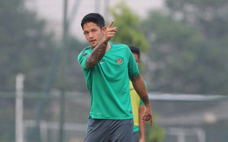'Beckham cua Indonesia' Irfan Bachdim: 'Chung toi muon thang tai My Dinh' - Anh 1