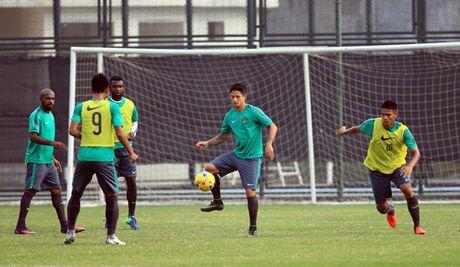 'Beckham cua Indonesia' Irfan Bachdim: 'Chung toi muon thang tai My Dinh' - Anh 2