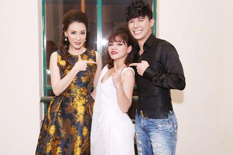 """Nathan Lee, Ho Quynh Huong """"bung chay' cung hang ngan sinh vien - Anh 1"""