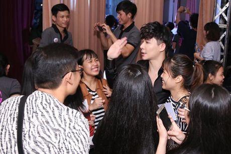 """Nathan Lee, Ho Quynh Huong """"bung chay' cung hang ngan sinh vien - Anh 8"""