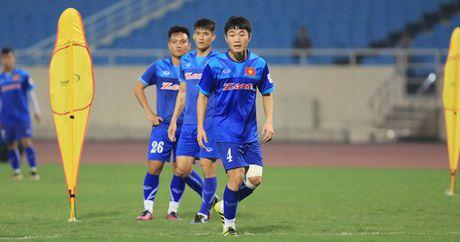 Diem tin sang 7/11: Xuan Truong thua nhan diem yeu, Bailly se tro lai som - Anh 1