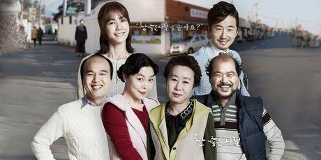 """Gap lai """"bieu tuong nhan sac"""" Kim Hee Sun trong """"Vong tay gia dinh"""" - Anh 4"""