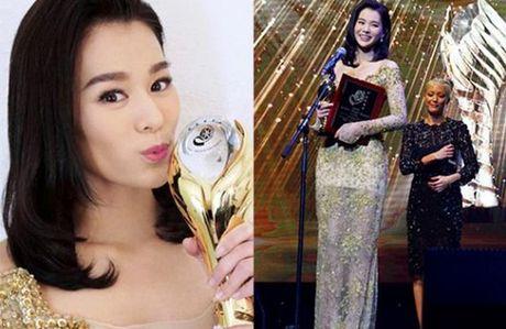 Ho Hanh Nhi hanh phuc khi lan 3 gianh giai Nu dien vien chinh xuat sac - Anh 1