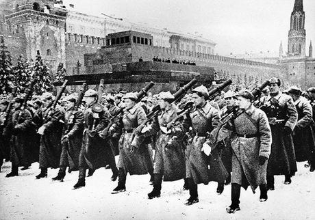 Nga ky niem 75 nam cuoc duyet binh huyen thoai 1941 - Anh 1
