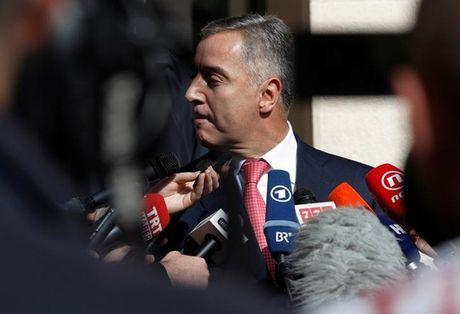 Montenegro to nguoi Nga dung sau am muu dao chinh - Anh 1