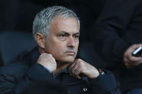 Mourinho chi trich vai cau thu M.U thieu dung khi - Anh 1